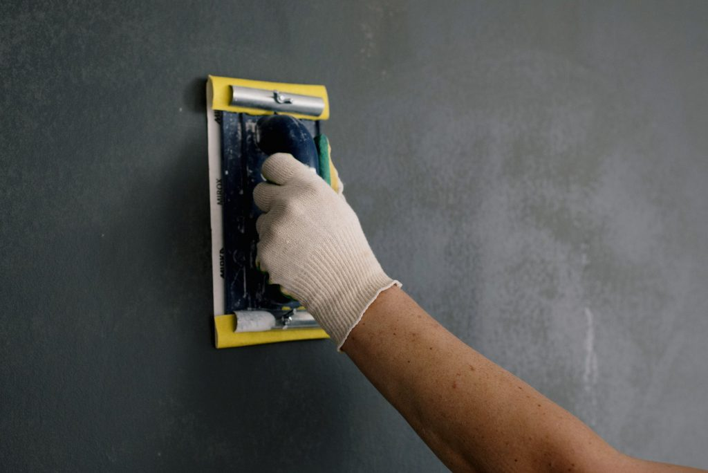 Dry Lining Vs. Wet Plastering – Which Should You Choose?